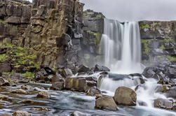 Tour de grupos pequeños de 3 días desde Reykjavik: Golden Circle, Ice Cave y South Coast