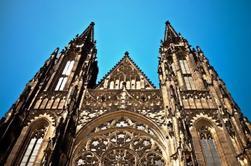 Petit groupe de randonnée à pied à Prague: Malá Strana, le château de Prague et la cathédrale Saint-Guy