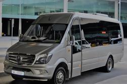 Tour privado de medio día en Barcelona en Minibus