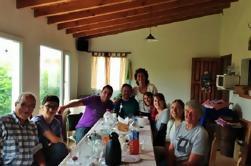 Barbacoa tradicional de grupos pequeños con familia local de Bariloche