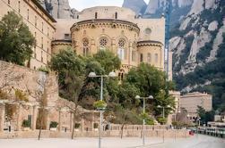 Excursión de un día a Montserrat con un Local de Barcelona