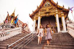 Private Tour: Mercado Noturno e Visita ao Templo com um Local