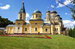 Tour Privado de Día Completo a los Monasterios de Capriana y Hincu de Chisinau