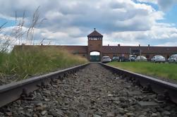 Monumento conmemorativo y museo de Auschwitz-Birkenau desde el casco antiguo de Cracovia