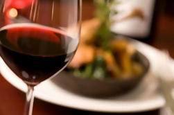 Valencia Wine and Tapas Tour Guiado por un Sommelier