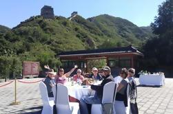 Tour de luxe: Expérience gastronomique à l'entrée de l'ancienne muraille de Badaling et Visite des tombeaux de Ming