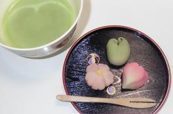 Tokyo Wagashi-Making Class mit Tee