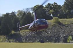 Vuelo francés del helicóptero del río ancho