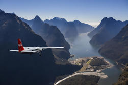 Milford Sound Tour a pie con vuelos desde Queenstown