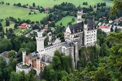 Excursión de un día a los castillos reales de Neuschwanstein y Linderhof desde Munich