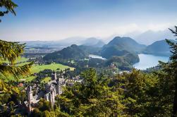 Pequeño grupo de Neuschwanstein y Castillo de Linderhof Excursión de un día en autobús de lujo desde Munich