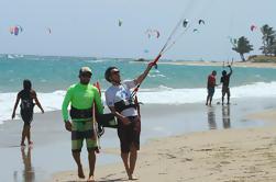 Lección de kiteboarding supervisada de 2 horas en Cabarete