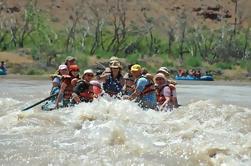 Dia inteiro Rio Colorado Scenic Splash Rafting viagem