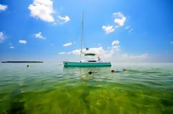 Catamarán Eco-Aventura con Kayak