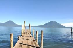 Tour Privado: Excursión en Barco Lago Atitlán y Pueblo Santiago desde la Ciudad de Guatemala