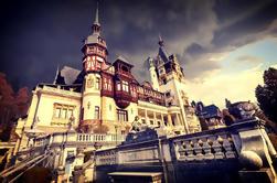 Taste of Transylvania Private Tour - desde los castillos de Drácula y Peles hasta Brasov medieval