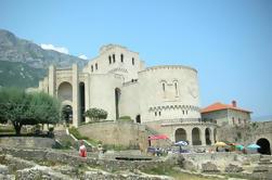 Kruja og Sari Salltik Hiking Tour fra Tirana