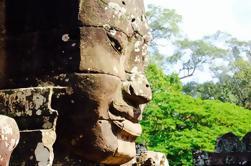 Templos de todo el día de Angkor Tour en grupo pequeño