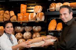 Atrás das cenas de um Boulangerie: Excursão francesa da padaria em Paris