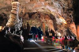 Excursión de un día a la granja de Postojna Cave y Lipica desde Ljubljana