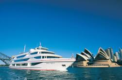 Crucero para almorzar en cubierta del puerto de Sydney
