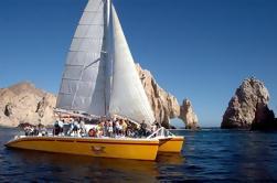Tropicat Jazz y Vino Crucero al atardecer en Los Cabos