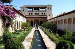 2-Day Granada Tour de Sevilha, incluindo Skip-the-Line Acesso ao Palácio de Alhambra e Banhos Árabes