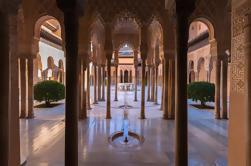 Fortrinnsrett: Alhambra Tour og Granada Hammam