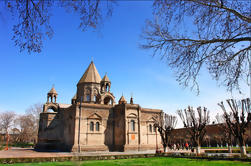 Día de viaje: Echmiadzin Madre Catedral, Iglesia Hripsime, Gayane Iglesia y Zvartnots Templo de Ereván