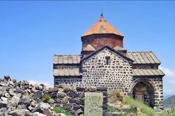Excursión privada de un día: Teleférico de Tsaghkadzor, Monasterio de Kecharis, Lago Sevan, Sevanavank de Yerevan