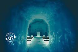 Classic Ice Cave Experience de Reykjavik con guía en vivo y guía de audio con pantalla táctil