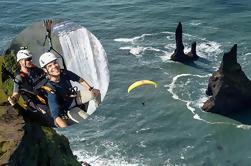 Tour privado de la costa sur desde Reykjavik con vuelo en tándem en parapente