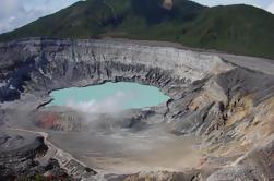 Tour de día completo al volcán Poas, Doka Estate, y el río Sarapiqui