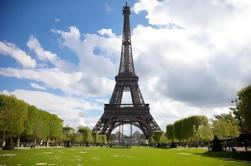 Evite las colas: Tour en grupo pequeño de la Torre Eiffel