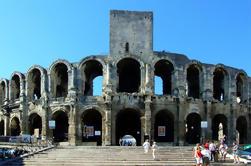 Excursión a pie del Patrimonio Romano y Medieval de Provenza a Avignon