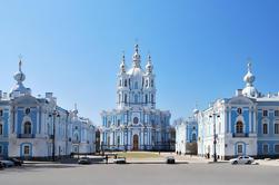Excursão de costa de St Petersburg: Visita de excursão including a fortaleza de Peter e de Paul, museu do Hermitage e cruzeiro
