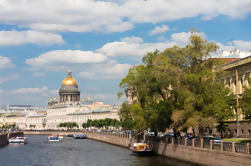 Neva River Sightseeing Cruise in St Petersburg