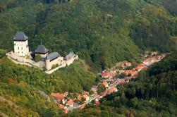 Vuelo de visita privado sobre el castillo de Karlstejn Desde Praga