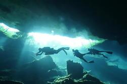 Dos tanques de buceo en un Cenote de Playa del Carmen