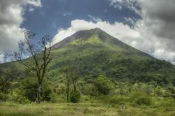 Volcán Arenal y Baldi Hot Springs de San José