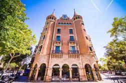 Casa de les Punxes: Fortrinnsrett Audio Tour med Cocktail i Barcelona