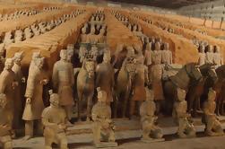 Xian Histórico Tour Privado de Guerreros de Terracota y Antiguas Murallas con Guerreros de Terracota en Miniatura y Cocina Qin