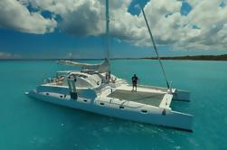 Crucero privado a catamarán a bordo del 'Quetzal'