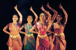 Tour privado de las cuevas de Elephanta incluyendo funcionamiento clásico de la danza en Mumbai