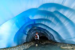 Paquete de picnic en helicóptero: Visita a la Cueva de Hielo Glaciar y almuerzo de picnic