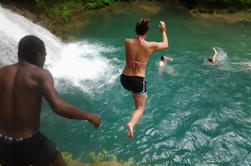 Blue Hole y River Tubing desde Montego Bay