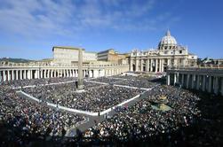 Tour de domingo de medio día y bendición del Papa