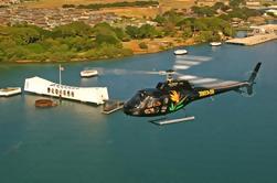 Oahu Sky and Sea Combo: Passeio de helicóptero com cruzeiro com jantar ao pôr-do-sol ou Atlantis Submarine Excursion