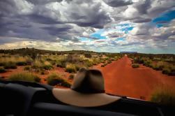 Excursión en grupo pequeño 4WD del monte Conner de Ayers Rock