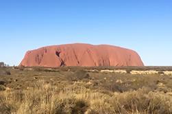 Lo más destacado de Uluru Incluyendo Sunrise y Desayuno